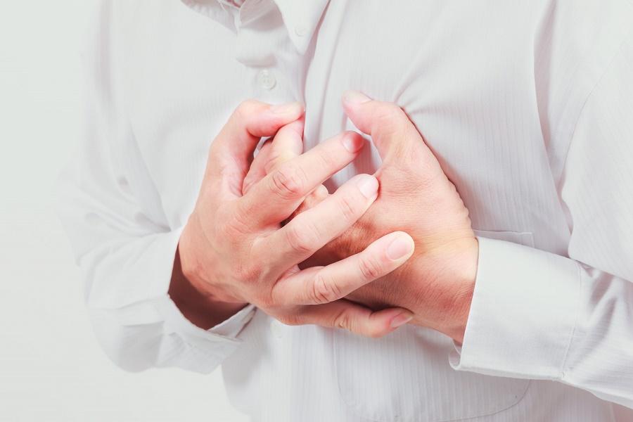 Болит сердце у ребенка: причины, что делать?