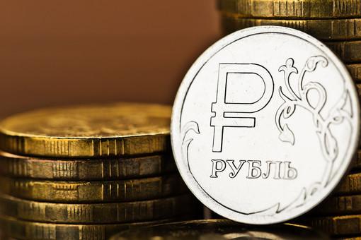 Мантуров нашел плюсы впадении рубля