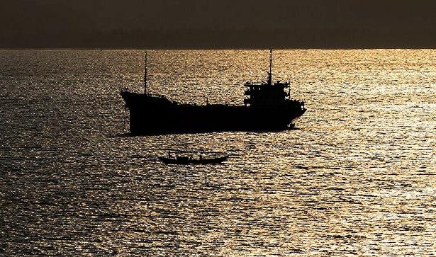 Пираты покинули захваченное уберегов Бенина судно сроссиянами