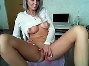 Female squirting orgasm on dick