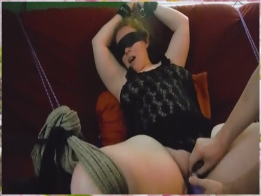 Lilly white chick gets anal creampie