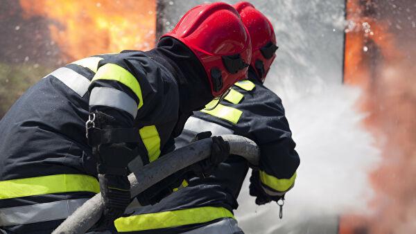 Спасатели эвакуировали 50человек изгорящего вМоскве офиса