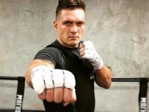 Одно загляденье— российский боксёр подвпечатлением отбокса Александра Усика