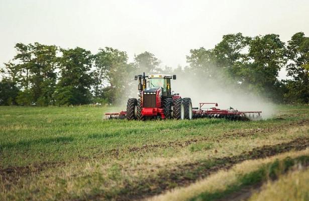 Российские заводы обеспечили многократный рост производства сельскохозяйственных тракторов запоследние годы
