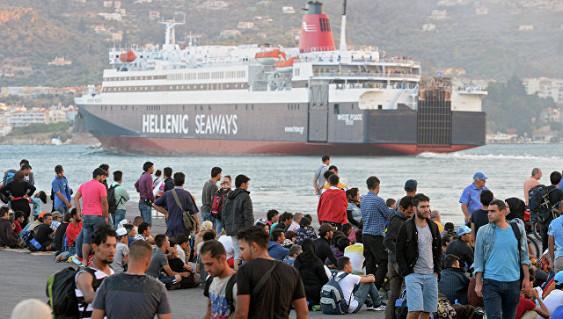У берегов Испании спасли около полусотни мигрантов из Африки
