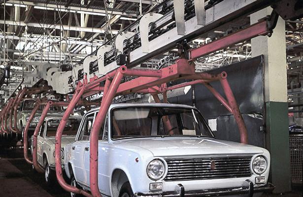 «АвтоВАЗ» ожидает снижения продаж новых автомобилей в2020-2021 годах