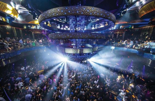 Ночные клубы работающие по понедельникам москва эротическое ток шоу смотреть