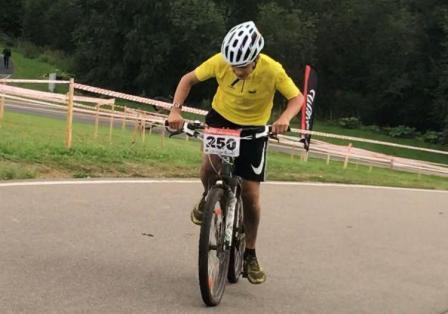 Семиклассник изМитина победил нагородском велотурнире
