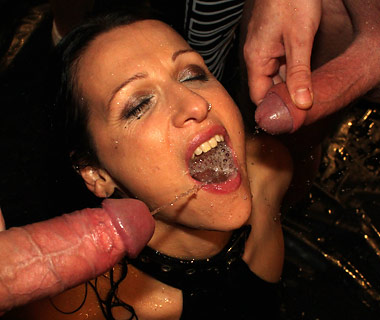 Bisexual cum swallowing mmf