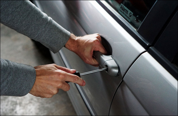 Простые исложные способы защитить автомобиль отугона