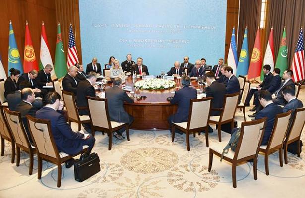Назарбаев иТокаев впустили СШАназадний двор России