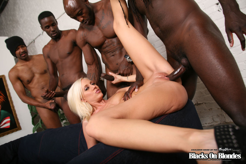 Hot blonde moms sex clips