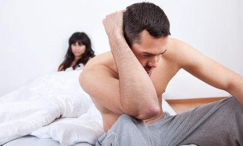 Как возбудить мужчину с плохой эрекцией