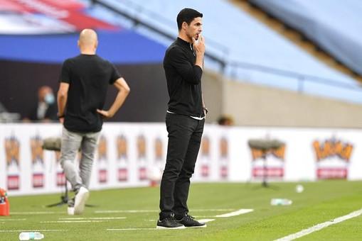 Тренер «Арсенала» отреагировал накритику Озила