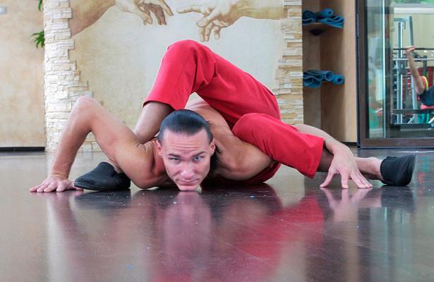 Человек-змея. Уникальная гибкость Алекса Калашникова. Феномен