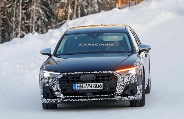 Audi S82022 идет подножиз-занебольшого фейслифтинга