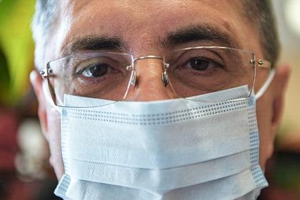 Мясников объяснил причины хронического кашля