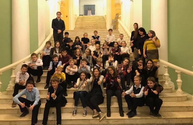 Школьники изЧеремушек побывали вРоссийском академическом молодежном театре