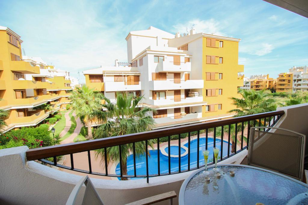 Недвижимость в Испании: купить жилье у моря, цены на