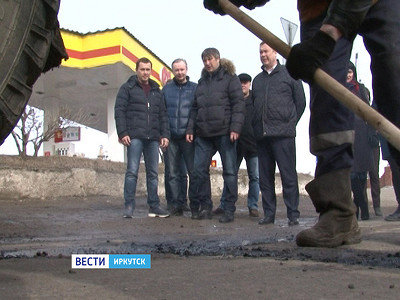 МэрИркутска вновь проверил качество городских дорог, наэтот разнаокраинах