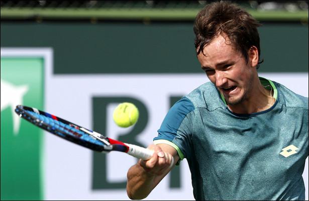 Даниил Медведев завершил выступления наRoland Garros