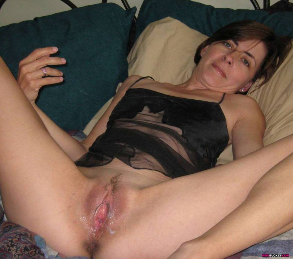 Squirt cum on wife face