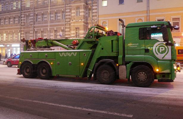 Сулиц Москвы эвакуировали дветысячи авто безномеров