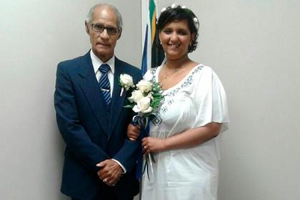Студентка вышла замуж за80-летнего мужчину через годзнакомства