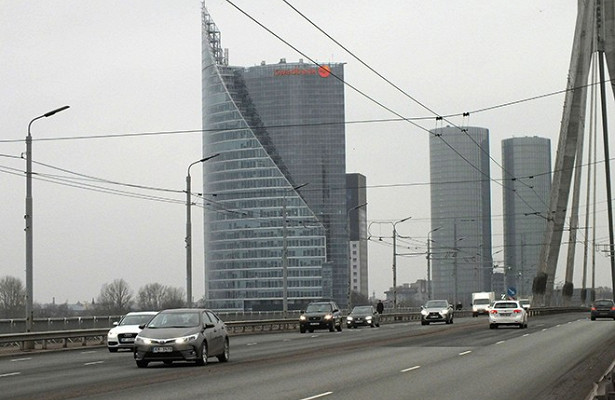 Посольство РФвЛатвии резко отреагировало назапрет российского телеканала