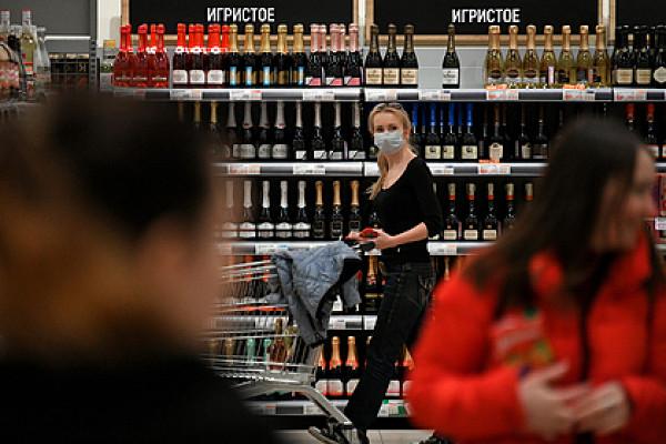 Россиян успокоили поповоду дефицита вина перед Новым годом