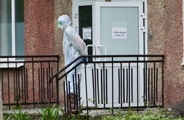 Более трёхсот медиков наЯмале заразились коронавирусом наработе