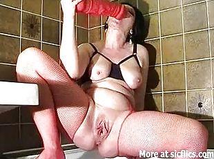 Amateur couple making hot fucking video