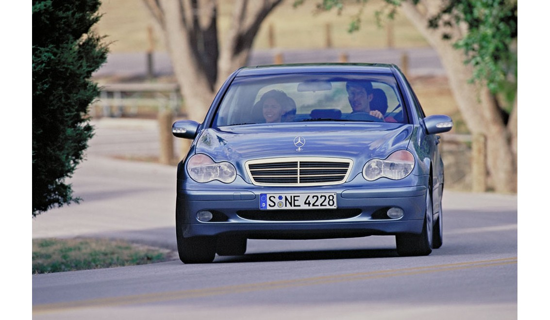 mercedes benz c240 2002 owners manual rh onthewingsblog com Mercedes-Benz C240 2005 Manual Mercedes C240 Owner's Manual