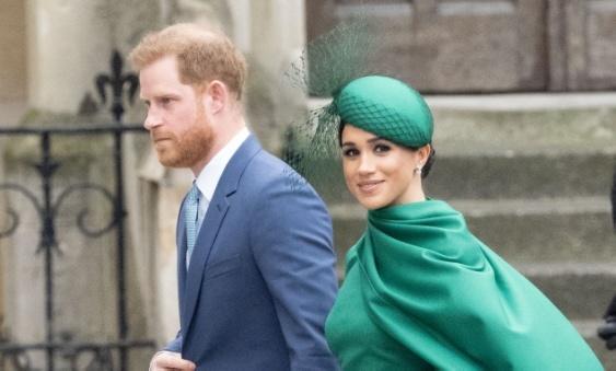Королева Великобритании пригласила принца Гарри наразговор безМеган Маркл