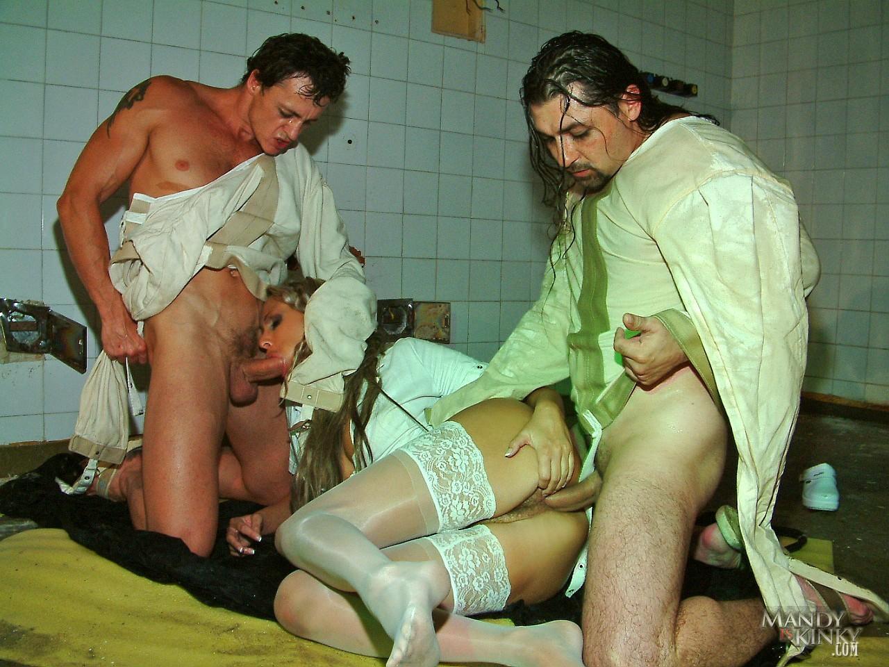 порно фильмы с русским переводом в госпитале приехали варшаву