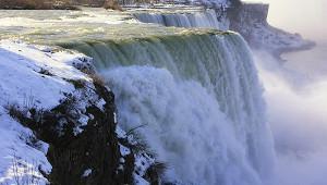 Ниагарский водопад заледенел из-зааномальных морозов