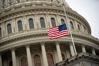 Более половины американцев поддержали создание новой партии
