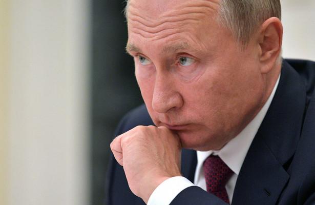 Путин оценил возможность индексации работающим пенсионерам
