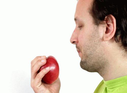 Приворот любимого на красное яблоко