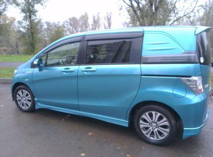 Купить Хонда Фрид Спайк 2011 года в Уссурийске