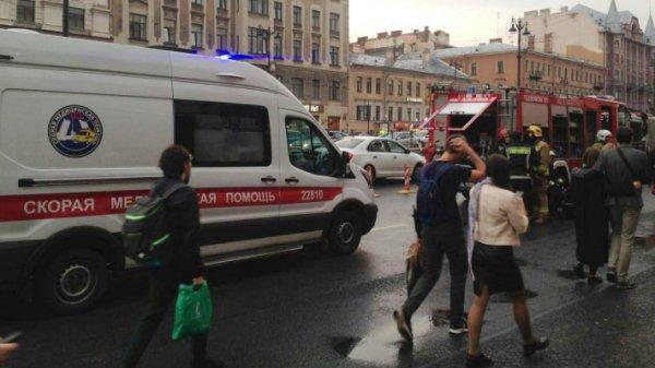 Волна «минирований» иэвакуаций прошла поторговым центрам Петербурга