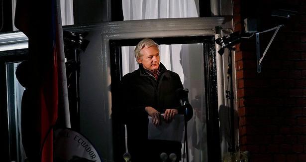 Эквадор лишил гражданства основателя WikiLeaks Джулиана Ассанжа