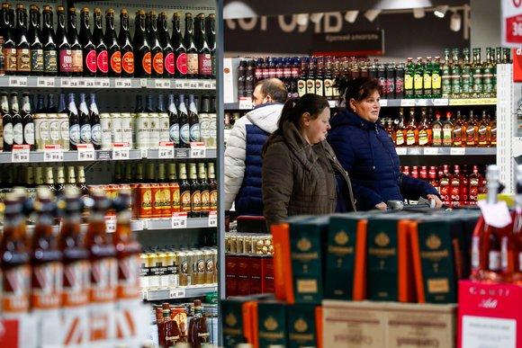 Стало известно, какалкоголь влияет натечение COVID-19