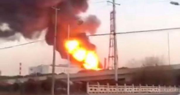 Грохот истолб огня: нахимзаводе вКитае произошел мощный взрыв