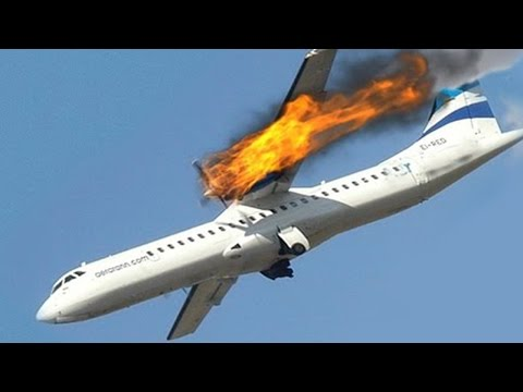 Alive (1993) - Plane Crash Scene - YouTube