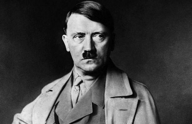 Какое здание вЛенинграде запретил разрушать Гитлер