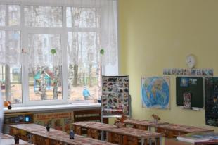 Более 4млнрублей потратили власти Пскова назамену окон вдетских садах