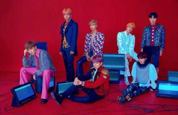 Детали нового клипа BTSнатрек «Idol»