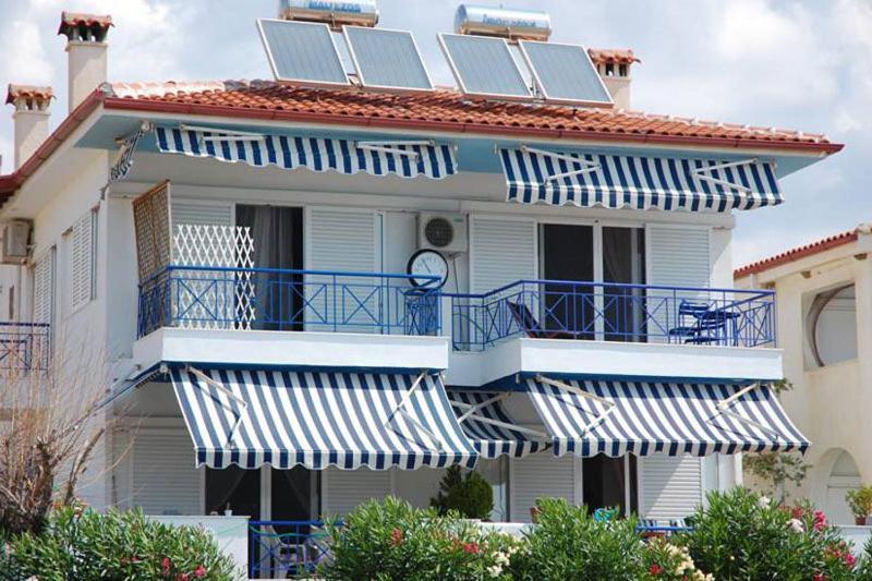 Апартаменты в остров Геракини на берегу моря недорого