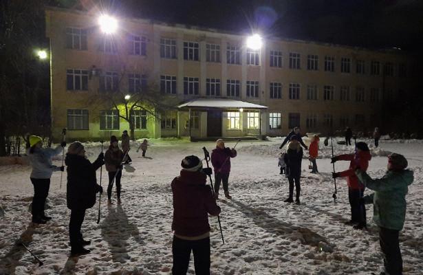 Сезон скандинавской ходьбы открыли жители микрорайона Лукьяново вВологде
